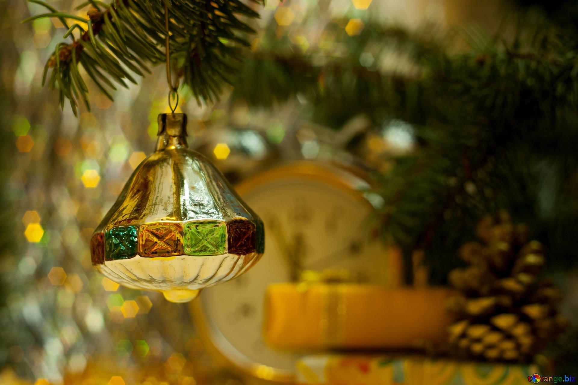 Где в Киеве посмотреть на старинные новогодние игрушки