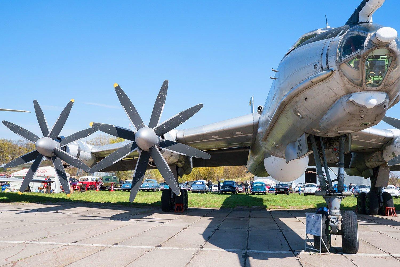Танці серед літаків: німецький лейбл влаштує вечірку у київському музеї авіації