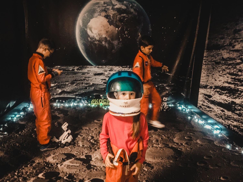 Скафандры, луноходы и испытания для вестибулярки: приключения Kyivmaps на выставке «Космос Ваш»