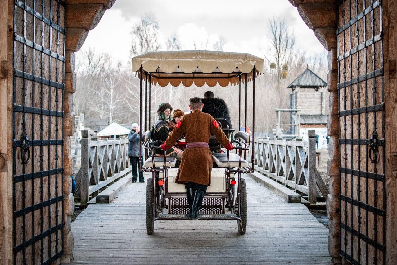 За 1 час и 1000 лет от столицы: как мы посетили парк «Киевская Русь»